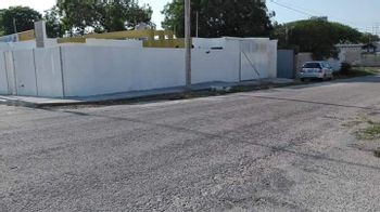 NEX-23676 - Casa en Venta en Manuel Avila Camacho, CP 97159, Yucatán, con 2 recamaras, con 2 baños, con 1 medio baño, con 120 m2 de construcción.