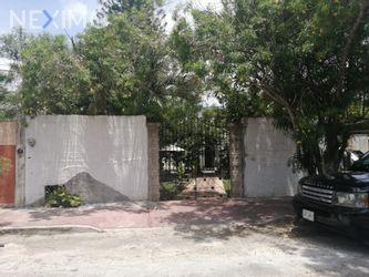 NEX-30821 - Casa en Venta en Sodzil Norte, CP 97115, Yucatán, con 4 recamaras, con 2 baños, con 184 m2 de construcción.