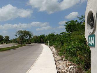 NEX-34267 - Terreno en Venta en Jardines de Rejoyada, CP 97307, Yucatán, con 1 m2 de construcción.