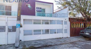 NEX-5726 - Casa en Renta en Adalberto Tejeda, CP 94298, Veracruz de Ignacio de la Llave, con 3 recamaras, con 2 baños, con 1 medio baño, con 211 m2 de construcción.