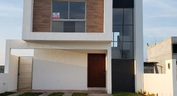 NEX-20818 - Casa en Venta en Lomas de la Rioja, CP 95266, Veracruz de Ignacio de la Llave, con 3 recamaras, con 3 baños, con 157 m2 de construcción.