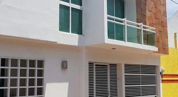 NEX-7010 - Casa en Venta en Reforma, CP 91919, Veracruz de Ignacio de la Llave, con 3 recamaras, con 4 baños, con 277 m2 de construcción.