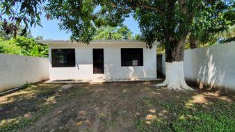 NEX-35201 - Casa en Venta en Primero de Mayo, CP 92039, Veracruz de Ignacio de la Llave, con 2 recamaras, con 1 baño, con 98 m2 de construcción.
