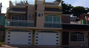 NEX-4177 - Casa en Renta en El Tesoro, CP 96536, Veracruz de Ignacio de la Llave, con 4 recamaras, con 6 baños, con 350 m2 de construcción.