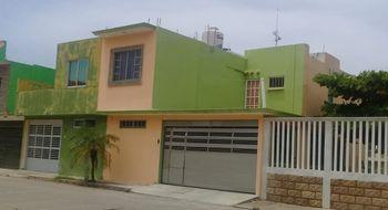 NEX-4942 - Casa en Venta en Puerto Esmeralda, CP 96536, Veracruz de Ignacio de la Llave, con 3 recamaras, con 2 baños, con 1 medio baño, con 195 m2 de construcción.