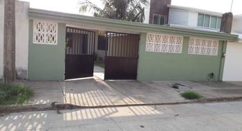 NEX-5179 - Casa en Venta en Puerto México, CP 96510, Veracruz de Ignacio de la Llave, con 2 recamaras, con 1 baño, con 190 m2 de construcción.