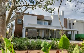 NEX-20342 - Casa en Venta, con 3 recamaras, con 2 baños, con 1 medio baño, con 180 m2 de construcción en Tamanché, CP 97304, Yucatán.