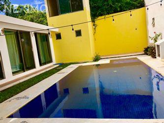NEX-20889 - Casa en Renta, con 2 recamaras, con 1 baño, con 240 m2 de construcción en Álamos I, CP 77533, Quintana Roo.