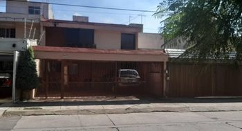 NEX-26499 - Casa en Venta en Ciudad de los Niños, CP 45040, Jalisco, con 3 recamaras, con 2 baños, con 1 medio baño, con 248 m2 de construcción.