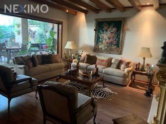 NEX-39698 - Casa en Venta en Real San Bernardo, CP 45110, Jalisco, con 3 recamaras, con 3 baños, con 1 medio baño, con 452 m2 de construcción.
