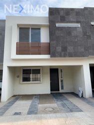 NEX-47837 - Casa en Renta, con 3 recamaras, con 2 baños, con 1 medio baño, con 127 m2 de construcción en Jardines Del Valle, CP 45138, Jalisco.