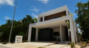 NEX-13048 - Casa en Venta en Supermanzana 319, CP 77536, Quintana Roo, con 3 recamaras, con 2 baños, con 1 medio baño, con 245 m2 de construcción.