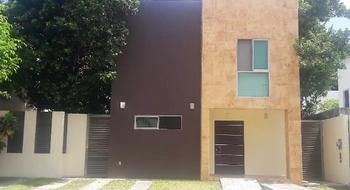 NEX-20787 - Casa en Venta en Residencial Cumbres, CP 77560, Quintana Roo, con 3 recamaras, con 3 baños, con 1 medio baño, con 220 m2 de construcción.