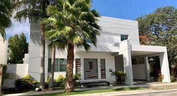 NEX-25738 - Casa en Venta en Residencial Cumbres, CP 77560, Quintana Roo, con 3 recamaras, con 2 baños, con 1 medio baño, con 465 m2 de construcción.