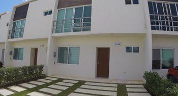 NEX-27466 - Casa en Venta en Cancún Centro, CP 77500, Quintana Roo, con 3 recamaras, con 2 baños, con 1 medio baño, con 131 m2 de construcción.