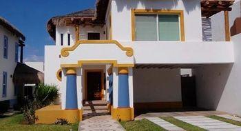 NEX-28456 - Casa en Venta en Cancún Centro, CP 77500, Quintana Roo, con 3 recamaras, con 5 baños, con 1 medio baño, con 333 m2 de construcción.