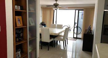 NEX-28499 - Casa en Venta en Cancún Centro, CP 77500, Quintana Roo, con 3 recamaras, con 2 baños, con 1 medio baño, con 200 m2 de construcción.