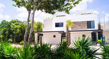 NEX-28630 - Casa en Venta en Supermanzana 319, CP 77536, Quintana Roo, con 4 recamaras, con 4 baños, con 1 medio baño, con 315 m2 de construcción.