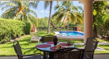 NEX-28828 - Casa en Venta en Zona Hotelera, CP 77500, Quintana Roo, con 4 recamaras, con 3 baños, con 1 medio baño, con 244 m2 de construcción.