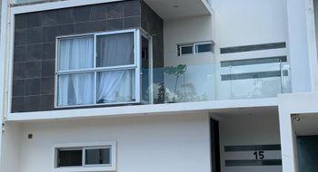 NEX-33516 - Casa en Renta en Supermanzana 312, CP 77533, Quintana Roo, con 3 recamaras, con 3 baños, con 1 medio baño, con 270 m2 de construcción.