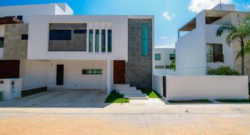 NEX-34046 - Casa en Venta en Cancún Centro, CP 77500, Quintana Roo, con 3 recamaras, con 4 baños, con 1 medio baño, con 240 m2 de construcción.