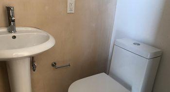 NEX-34566 - Departamento en Renta en Cancún Centro, CP 77500, Quintana Roo, con 2 recamaras, con 2 baños, con 1 medio baño, con 110 m2 de construcción.