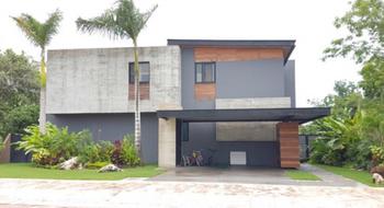 NEX-5738 - Casa en Venta en Cancún Centro, CP 77500, Quintana Roo, con 4 recamaras, con 3 baños, con 1 medio baño, con 540 m2 de construcción.
