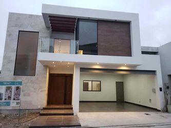 NEX-22247 - Casa en Venta en Catujanes, CP 64987, Nuevo León, con 3 recamaras, con 5 baños, con 1 medio baño, con 393 m2 de construcción.