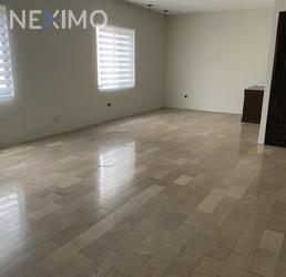 NEX-50476 - Departamento en Renta, con 3 recamaras, con 3 baños, con 1 medio baño, con 130 m2 de construcción en Lomas Del Valle, CP 66256, Nuevo León.