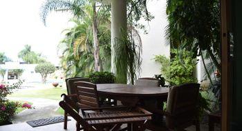 NEX-25016 - Casa en Venta en Jardines de Delicias, CP 62343, Morelos, con 3 recamaras, con 4 baños, con 449 m2 de construcción.