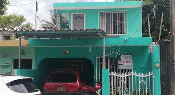 NEX-11975 - Casa en Venta en Ismael Garcia, CP 97320, Yucatán, con 5 recamaras, con 2 baños, con 166 m2 de construcción.