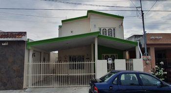 NEX-21815 - Casa en Venta en Yucalpeten, CP 97238, Yucatán, con 3 recamaras, con 2 baños, con 172 m2 de construcción.
