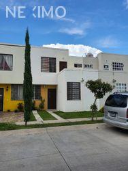 NEX-33520 - Casa en Venta, con 4 recamaras, con 3 baños, con 102 m2 de construcción en Callejón del Bosque, CP 45200, Jalisco.