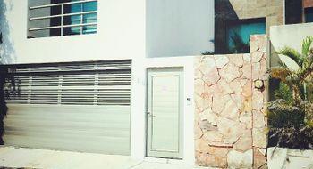 NEX-5541 - Casa en Venta en Paraíso Coatzacoalcos, CP 96523, Veracruz de Ignacio de la Llave, con 3 recamaras, con 3 baños, con 1 medio baño, con 160 m2 de construcción.