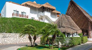 NEX-9631 - Departamento en Venta en Playa del Carmen Centro, CP 77710, Quintana Roo, con 2 recamaras, con 2 baños, con 1 medio baño, con 120 m2 de construcción.