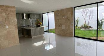 NEX-26998 - Casa en Venta en Santa Clara Ocoyucan, CP 72850, Puebla, con 4 recamaras, con 6 baños, con 1 medio baño, con 300 m2 de construcción.