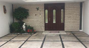 NEX-13898 - Casa en Venta en La Florida, CP 53160, México, con 4 recamaras, con 3 baños, con 1 medio baño, con 300 m2 de construcción.