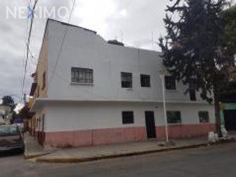 NEX-24044 - Casa en Venta, con 6 recamaras, con 5 baños, con 1 medio baño, con 270 m2 de construcción en Gabriel Ramos Millán, CP 08730, Ciudad de México.
