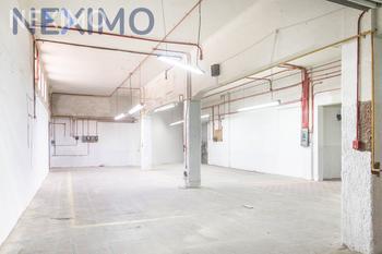 NEX-22960 - Bodega en Renta, con 3 medio baños, con 1218 m2 de construcción en Alcalde Barranquitas, CP 44270, Jalisco.