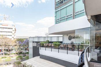 NEX-25595 - Oficina en Renta, con 20 recamaras, con 6 medio baños, con 9 m2 de construcción en Americana, CP 44160, Jalisco.