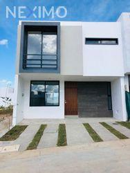 NEX-41748 - Casa en Venta en Valle Imperial, CP 45134, Jalisco, con 3 recamaras, con 2 baños, con 1 medio baño, con 148 m2 de construcción.