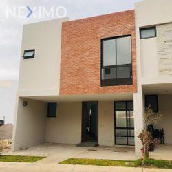 NEX-41838 - Casa en Venta en Valle Imperial, CP 45134, Jalisco, con 3 recamaras, con 2 baños, con 1 medio baño, con 77 m2 de construcción.