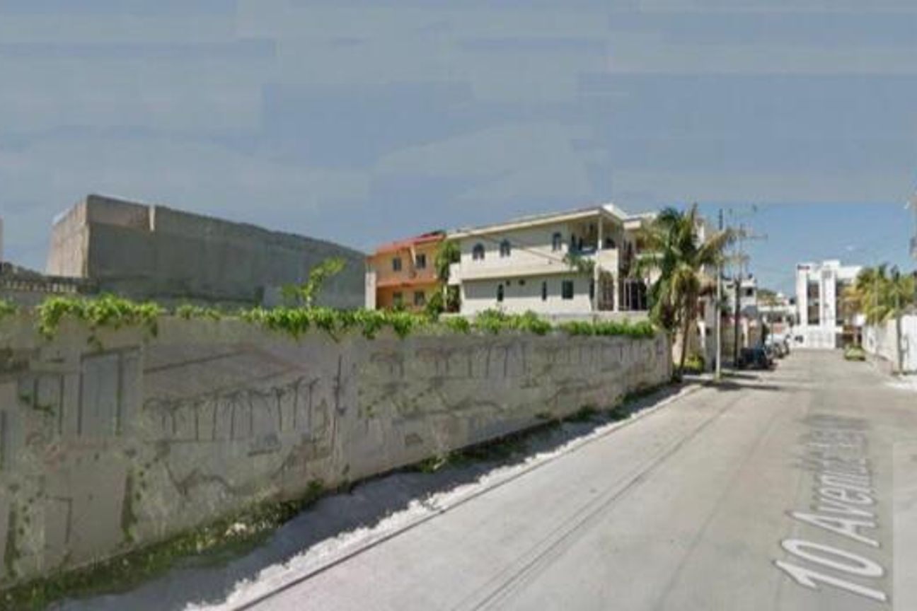 Venta de terreno en Playa del Carmen, Av. 10