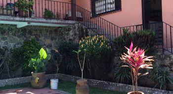 NEX-241 - Casa en Venta en Club de Golf de Cuernavaca, CP 62030, Morelos, con 3 recamaras, con 3 baños, con 200 m2 de construcción.