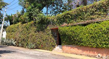 NEX-31377 - Casa en Renta en Del Empleado, CP 62250, Morelos, con 5 recamaras, con 4 baños, con 347 m2 de construcción.