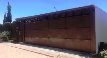 NEX-924 - Casa en Venta en La Herradura, CP 62304, Morelos, con 2 recamaras, con 3 baños, con 350 m2 de construcción.