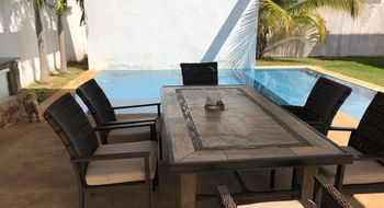 NEX-26038 - Casa en Renta en Cholul, CP 97305, Yucatán, con 3 recamaras, con 5 baños, con 1 medio baño, con 1 m2 de construcción.
