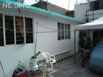 NEX-37332 - Casa en Venta, con 4 recamaras, con 3 baños, con 1 medio baño, con 177 m2 de construcción en El Vergel, CP 09880, Ciudad de México.