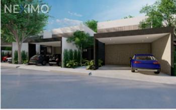 NEX-47645 - Casa en Venta, con 3 recamaras, con 2 baños, con 1 medio baño, con 186 m2 de construcción en Misnébalam, CP 97308, Yucatán.