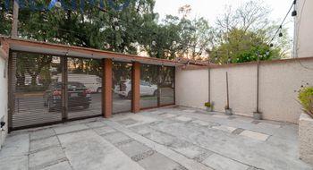 NEX-25340 - Casa en Venta en Ciudad Satélite, CP 53100, México, con 3 recamaras, con 1 baño, con 1 medio baño, con 116 m2 de construcción.